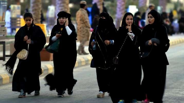 सऊदी अरब में महिलाएं हुईं 'बागी', उठा रहीं ये बड़ा कदम- India TV