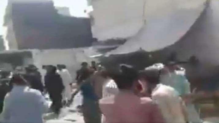 डर का आलम, पाकिस्तान में दंगे के शिकार हिंदुओं ने बच्चों को रोने तक से रोका- India TV