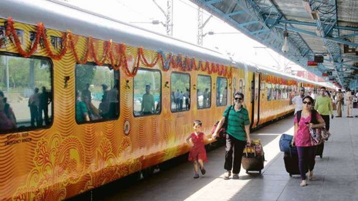 IRCTC first train Tejas Express will flagged-off by Yogi Adityanath on October 4- India TV Paisa