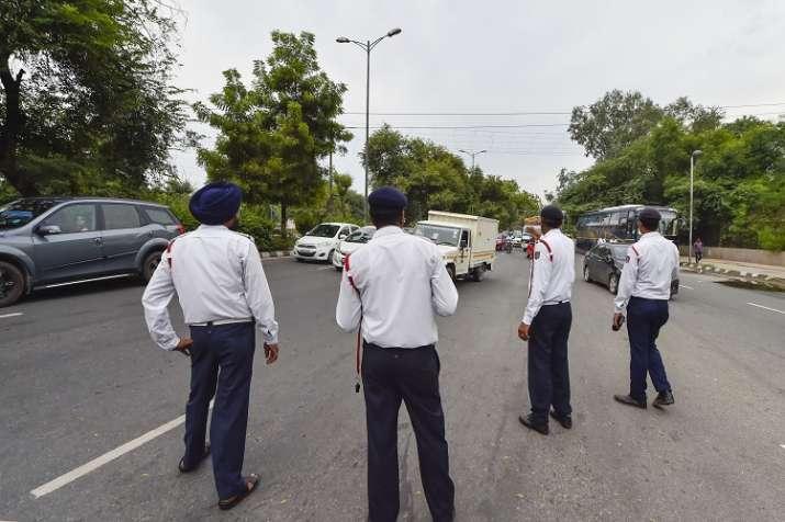 Government of Karnataka reduces the traffic fine- India TV Paisa