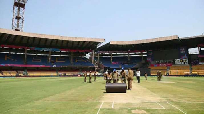 भारत को हालांकि इस मैदान पर पाकिस्तान से 25 दिसंबर, 2012 को पांच विकेट से और 27 फरवरी, 2019 को ऑस्ट्- India TV
