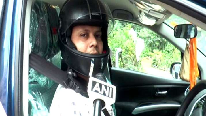 Uttar Pradesh aligarh man gest e challan for not wearing helmet while driving car- India TV