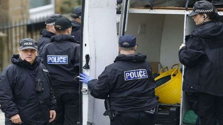 39 dead bodies found in truck container in UK- India TV