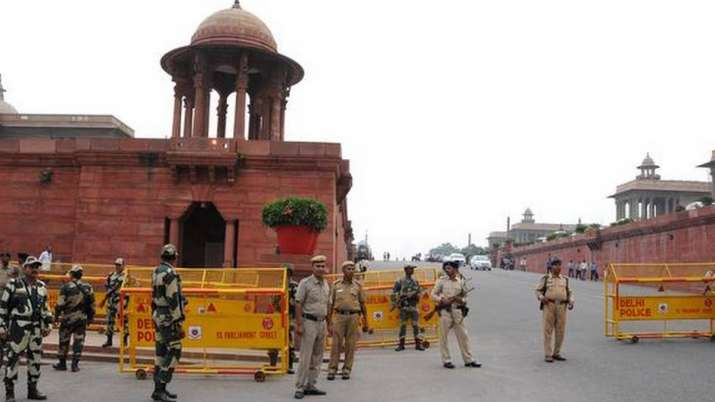 दशहरे से पहले आतंक की बड़ी साजिश का खुलासा, दिल्ली में स्पेशल सेल की ताबड़तोड़ छापेमारी- India TV