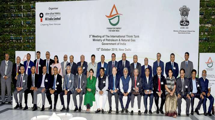 Union Minister for Petroleum & Natural Gas and Steel Dharmendra Pradhan in a group photo at the 3rd - India TV Paisa