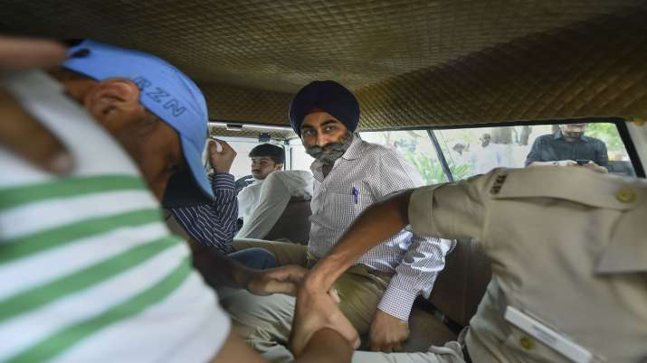 Former promoters of pharmaceutical giant Ranbaxy, Shivinder Singh arrested by the Economic Offences - India TV Paisa