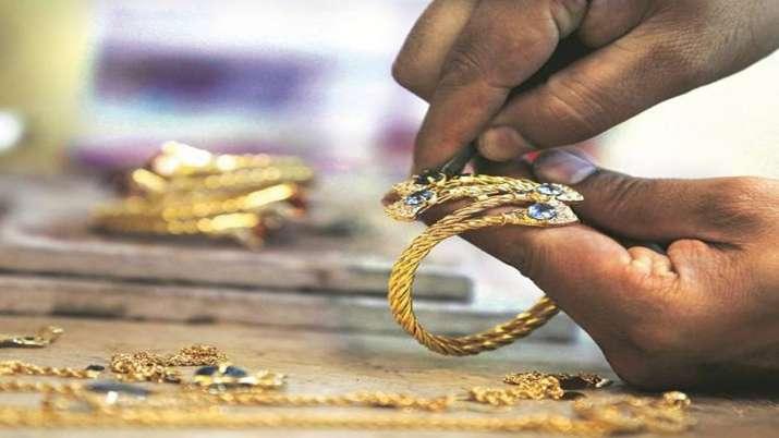 Gems, jewellery exports dip 7 pc in Apr-Aug- India TV Paisa