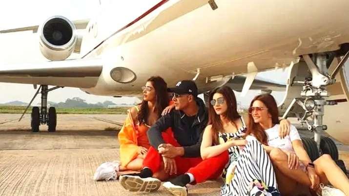 Housefull 4 team- India TV