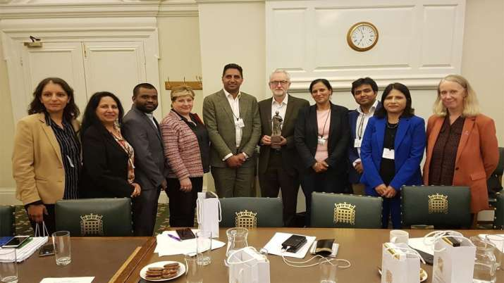 Congress Party delegation meets Jeremy Corbyn who opposes Indian move on Jammu Kashmir- India TV