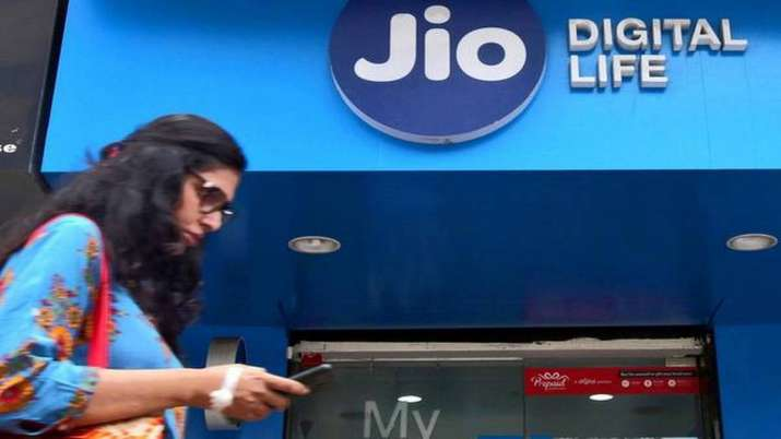 Jio to charge users 6 paisa/min for voice calls made to rival phone networks- India TV Paisa