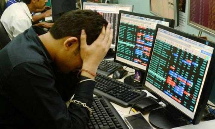 Sensex tanks 434 pts as RBI cuts FY20 growth forecast; rate-sensitive stocks drop- India TV Paisa