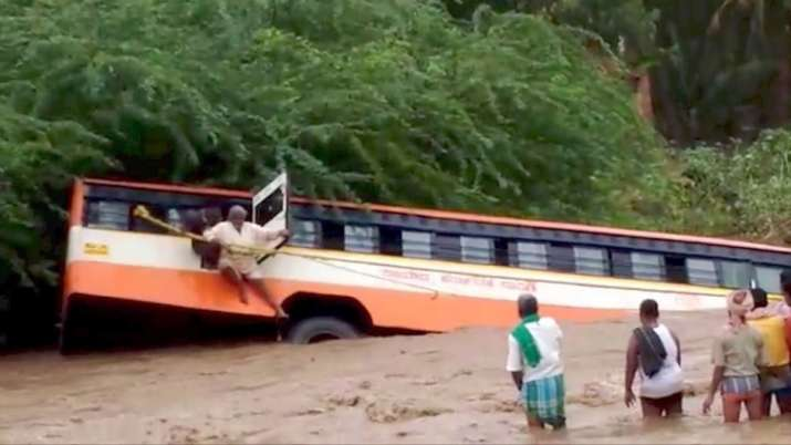 मध्य प्रदेश के रायसेन में बस नदी में गिरी, 7 की मौत और कई घायल- India TV