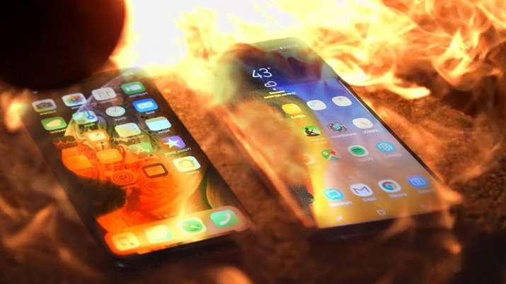 Elon Musk regularly destroys his phones for security purposes- India TV Paisa