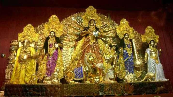 Durga puja 50 kg gold idol installed in kolkata pandal see photos- India TV