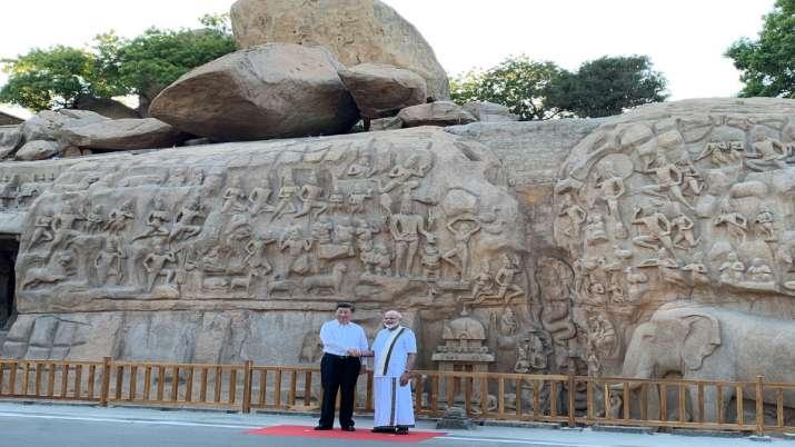PM Narendra Modi with President Xi Jinping at Arjuna's...- India TV