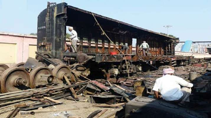 railway earnings from scrap- India TV Paisa