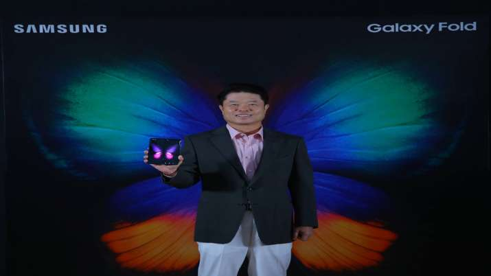 Samsung Galaxy Fold in India for Rs 1.65 lakh, pre-booking begins Oct 4- India TV Paisa