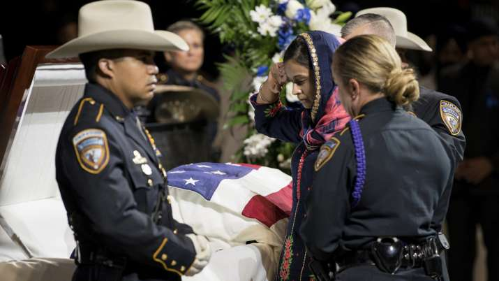 Thousands mourn slain HCSO Sikh Deputy Sandeep Dhaliwal- India TV