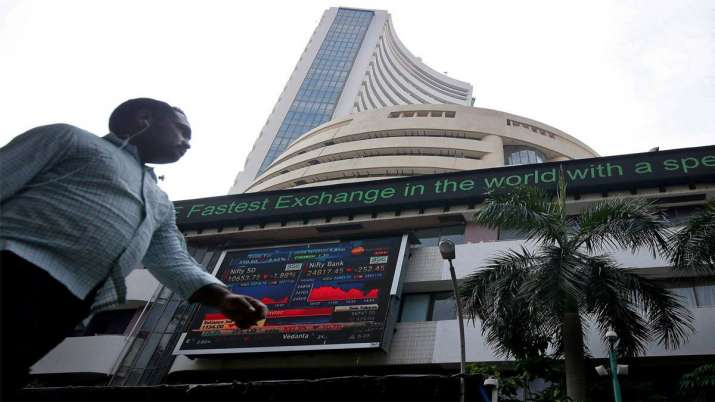 Sensex slips 198 pts on financial sector woes, global trade tussle- India TV Paisa