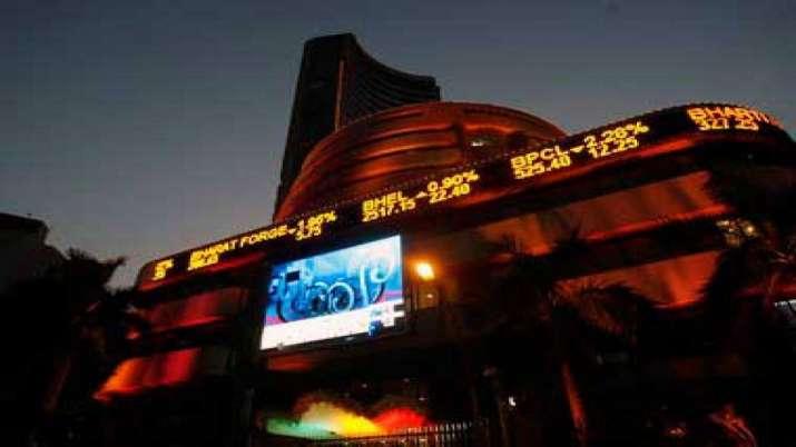 Sensex, Nifty end marginally higher; SBI rallies 7 pc- India TV Paisa
