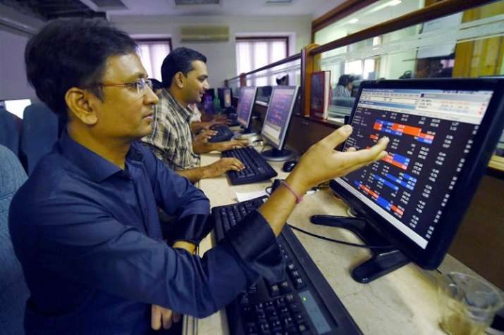 Seven of top 10 sensex companies lose over Rs 1 lakh crore in market capitalization- India TV Paisa