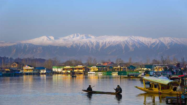 Tourists can visit Kashmir from Today as Administration withdraws advisory- India TV