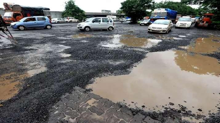 Potholes- India TV