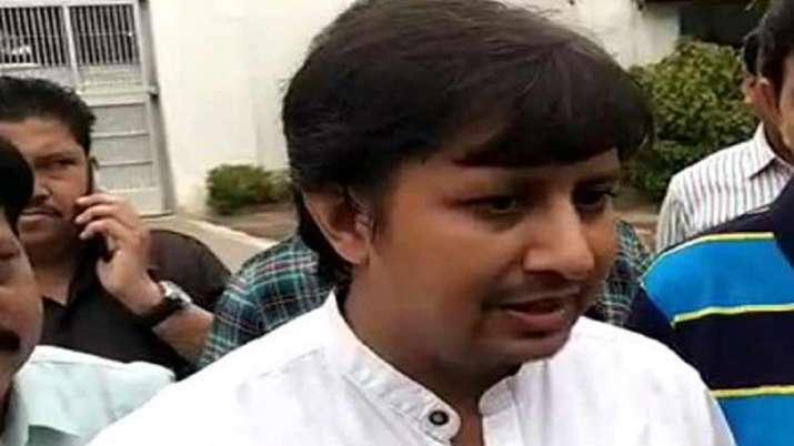 कमलनाथ सरकार को आकाश विजयवर्गीय की धमकी- India TV