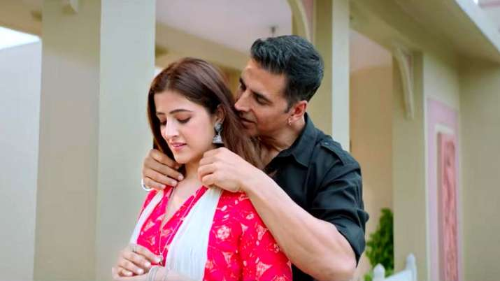 Akshay Kumar and Nupur Sanon in Filhall Video- India TV