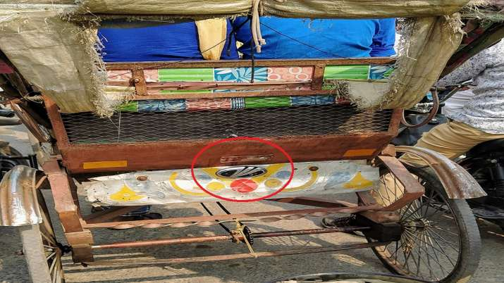Anand Mahindra tweet on company logo in rickshaw - India TV Paisa