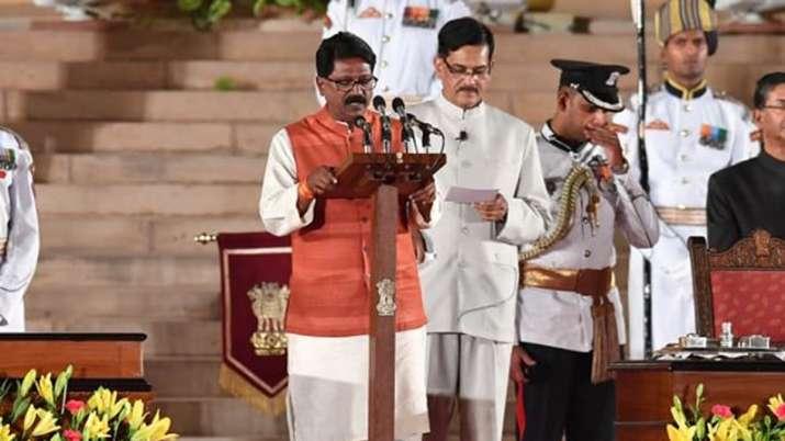 Arvind Sawant, Arvind Sawant Resigns, Uddhav Thackeray, Maharashtra Government Formation- India TV