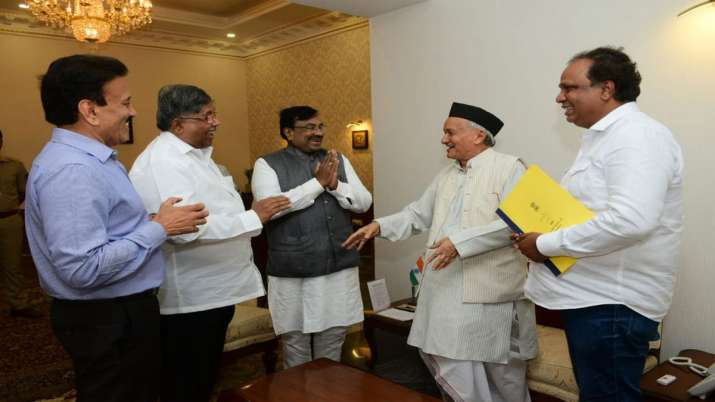 Maharashtra BJP delegation meets Governor Bhagat Singh Koshyari- India TV
