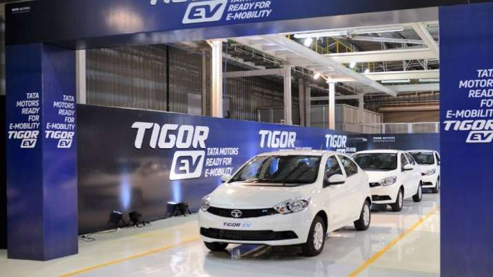 EESL slashes EV order by 70PC to just 3k on Andhra cancellation- India TV Paisa