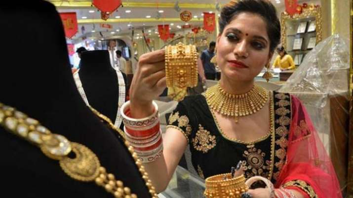Gold prices gain Rs 78; silver moves up by Rs 245- India TV Paisa