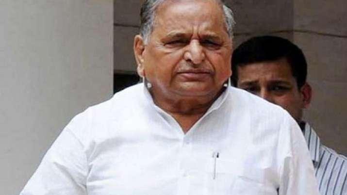 Mulayam Singh Yadav admitted to SGPGI, Lucknow.- India TV