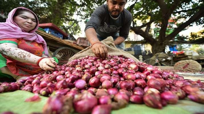 Onion prices- India TV Paisa