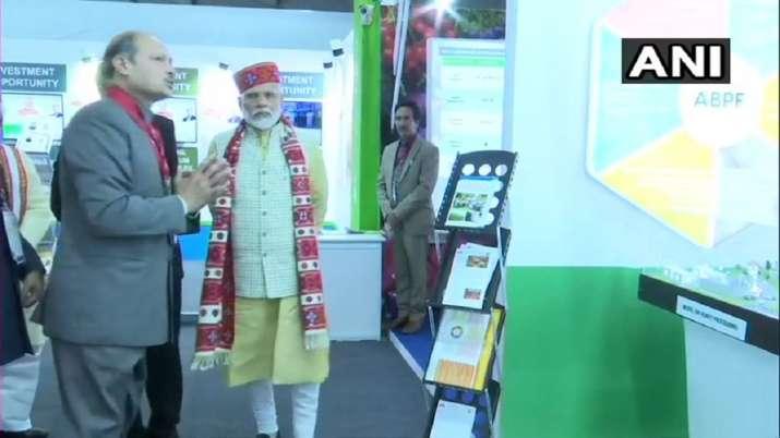 Prime Minister Narendra Modi at an exhibition organised at Himachal Pradesh Global Investors Meet, 2- India TV Paisa