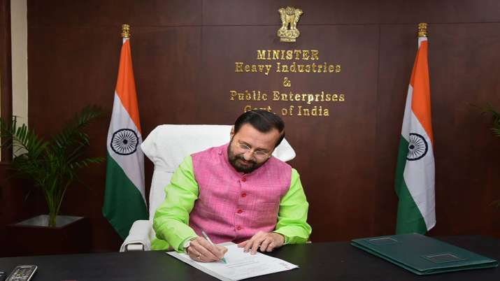 Javadekar takes charge as Union Minister of Heavy Industries and Public Enterprises- India TV Paisa
