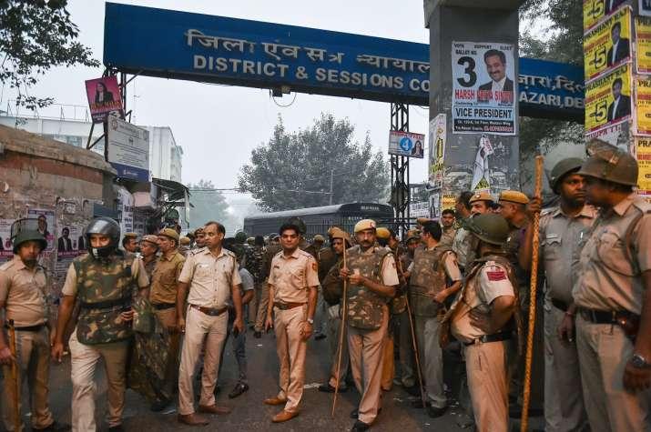 Police personnel at Tis Hazari Court - India TV