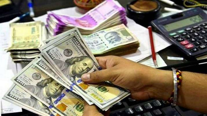 Rupee spurts to over 2-week high of 71.50 against US dollar- India TV Paisa