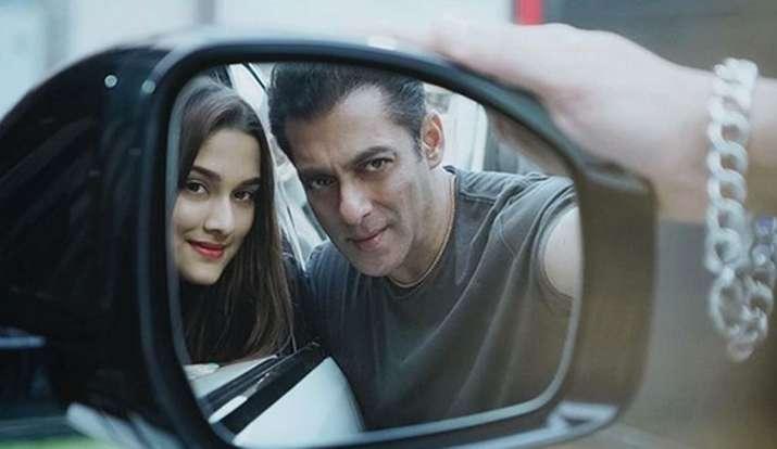 Salman khan , saiee manjerkar- India TV