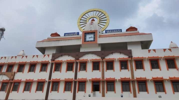Narendra Modi, Varanasi railway station, Narendra Modi Varanasi, PM Modi's constituency, वाराणसी रेल- India TV