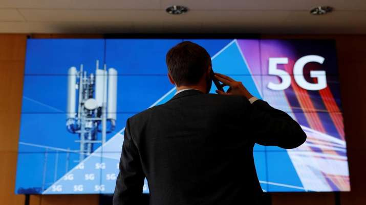 DoT invites bids from agencies to hold auction of 8,526 Mhz spectrum - India TV Paisa