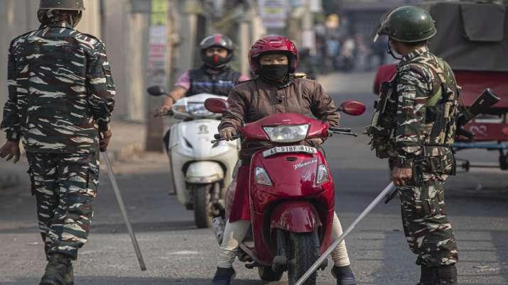 असम में पटरी पर लौट रही जिंदगी; बाज़ार में लौटी रौनक, सड़कों पर निकले लोग- India TV