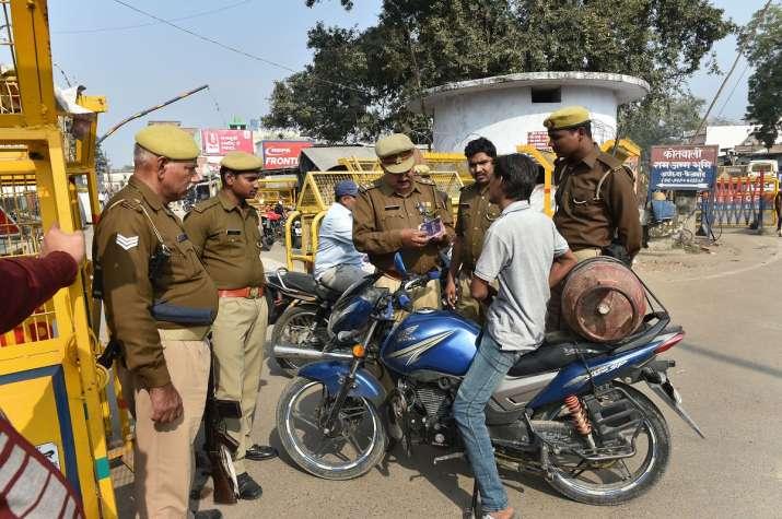 6 December: बाबरी विध्वंस की आज 27वीं बरसी, छावनी में तब्दील हुई अयोध्या- India TV