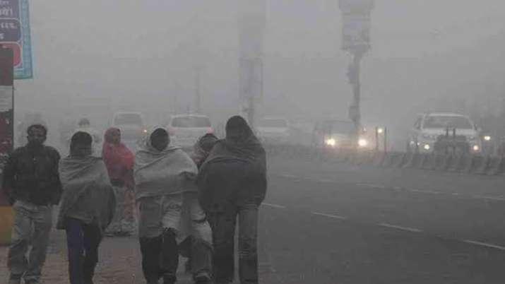 उत्तर भारत में शीतलहर का कहर जारी, श्रीनगर हवाईअड्डे पर विमानों की आवाजाही बंद- India TV