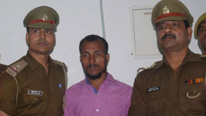 Triple murder case accused (Middle)- India TV