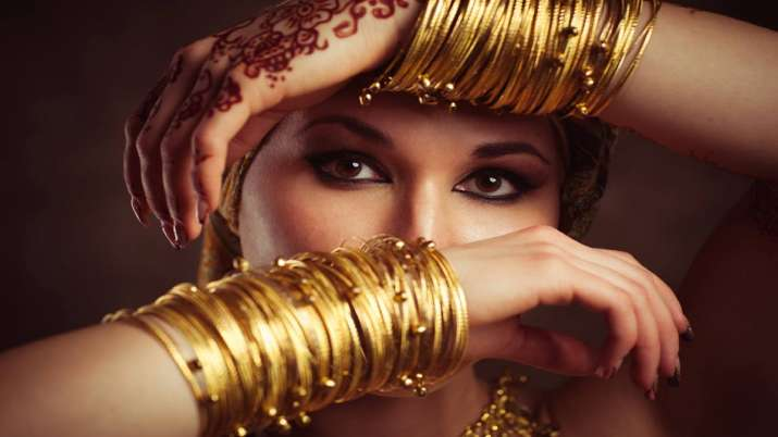 Gold prices up Rs 50, silver gains Rs 234- India TV Paisa