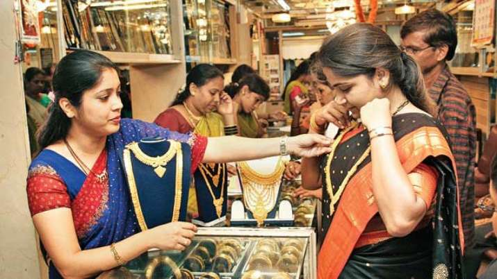 Gold tumbles Rs 232 on stronger rupee- India TV Paisa