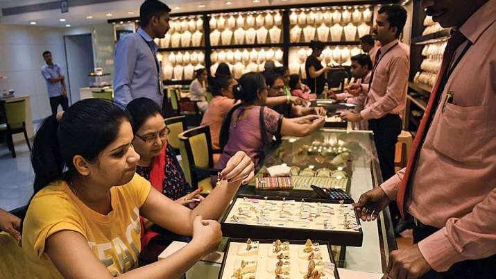 Gold prices rise marginally; silver gains Rs 75- India TV Paisa